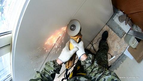 утепление плиты балкона промышленным альпинистом