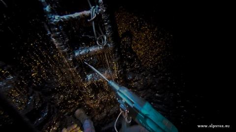 Очистка силосов от битумных наслоений, промышленные альпинисты альпстар