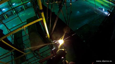 Демонтаж мостового крана промышленными альпинистами альпстар
