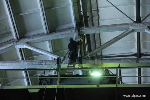 Демонтаж мостового крана, промышленный альпинизм, альпстар